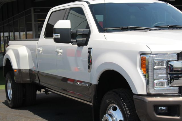 2017 Ford Super Duty F-350 DRW Pickup King Ranch Ultimate Crew Cab 4x4 FX4 - TOW TECH! Mooresville , NC 27