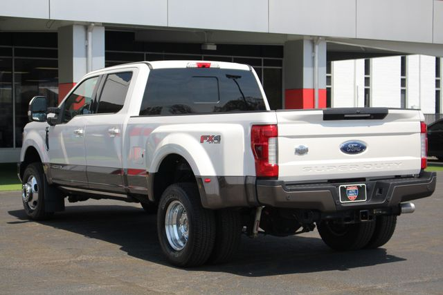 2017 Ford Super Duty F-350 DRW Pickup King Ranch Ultimate Crew Cab 4x4 FX4 - TOW TECH! Mooresville , NC 30