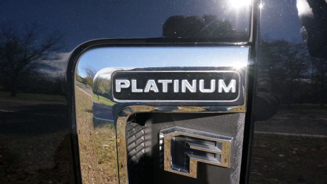2017 Ford F-450  Platinum Valley Park, Missouri 40