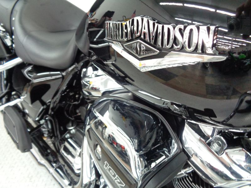 2017 Harley Davidson Road King   Oklahoma  Action PowerSports  in Tulsa, Oklahoma