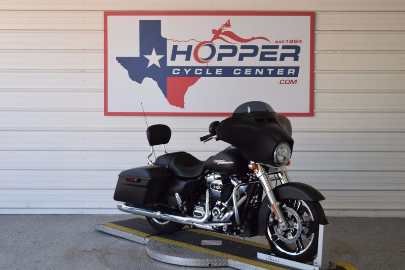 2017 Harley-Davidson Street Glide   city TX  Hopper Cycle Center  in , TX