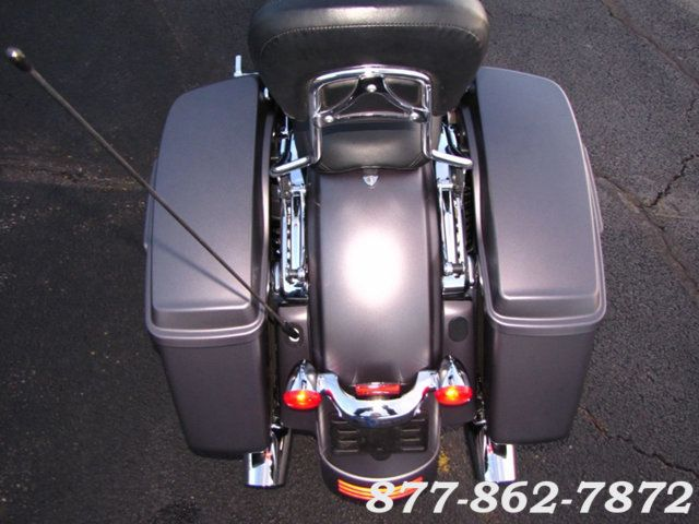 2017 Harley-Davidson STREET GLIDE SPECIAL FLHXS STREET GLIDE SPECIAL McHenry, Illinois 26