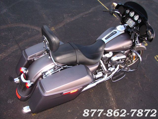2017 Harley-Davidson STREET GLIDE SPECIAL FLHXS STREET GLIDE SPECIAL McHenry, Illinois 43