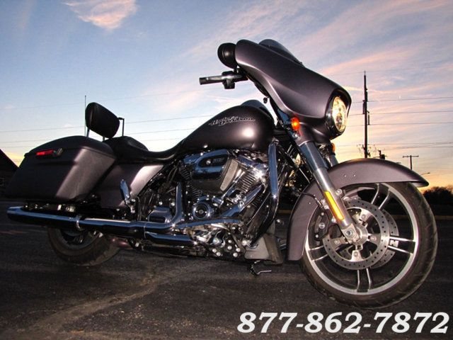 2017 Harley-Davidson STREET GLIDE SPECIAL FLHXS STREET GLIDE SPECIAL McHenry, Illinois 44