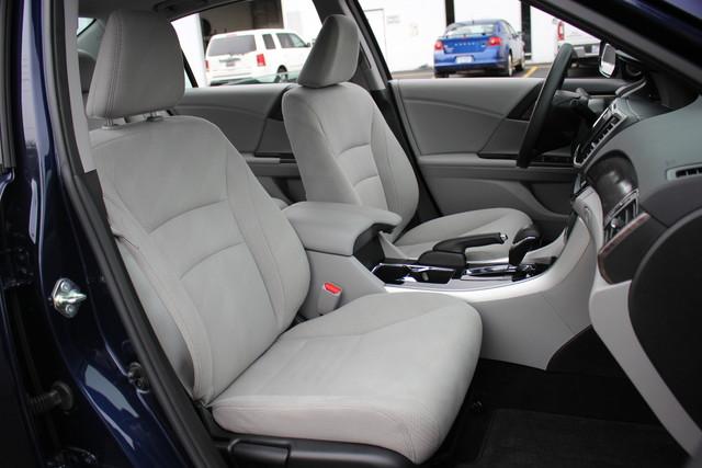 2017 Honda Accord EX Mooresville , NC 31