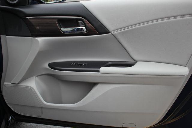 2017 Honda Accord EX Mooresville , NC 32