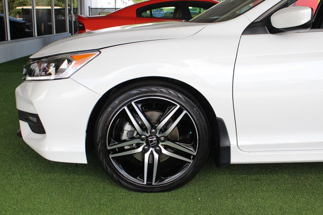 2017 Honda Accord Sport SE FWD - HEATED LEATHER! Mooresville , NC 18