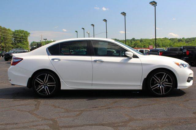 2017 Honda Accord Sport SE FWD - HEATED LEATHER! Mooresville , NC 13