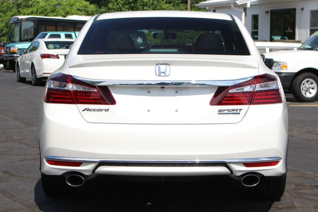 2017 Honda Accord Sport SE FWD - HEATED LEATHER! Mooresville , NC 16