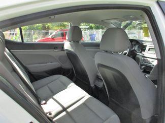 2017 Hyundai Elantra SE Miami, Florida 10