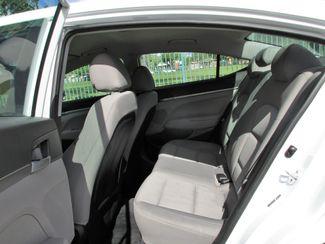 2017 Hyundai Elantra SE Miami, Florida 9