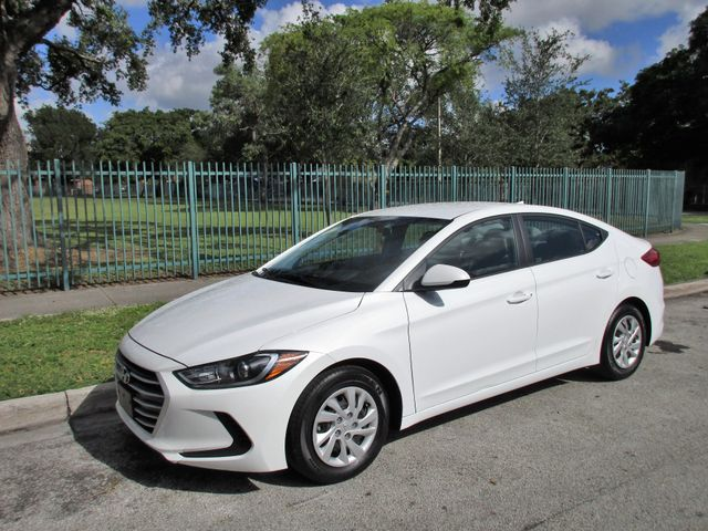 2017 Hyundai Elantra SE Come and visit us at oceanautosalescom for our expanded inventoryThis of