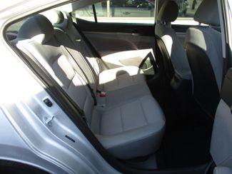 2017 Hyundai Elantra Limited Milwaukee, Wisconsin 16