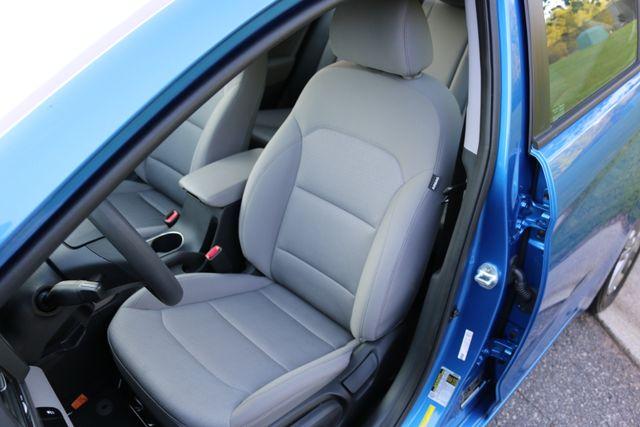 2017 Hyundai Elantra SE Mooresville, North Carolina 10