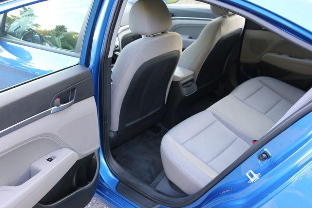 2017 Hyundai Elantra SE Mooresville, North Carolina 12