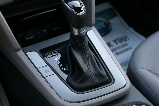 2017 Hyundai Elantra SE Mooresville, North Carolina 37
