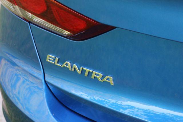 2017 Hyundai Elantra SE Mooresville, North Carolina 6