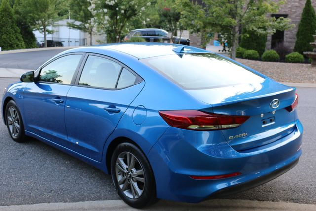 2017 Hyundai Elantra SE Mooresville, North Carolina 54