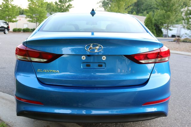 2017 Hyundai Elantra SE Mooresville, North Carolina 55