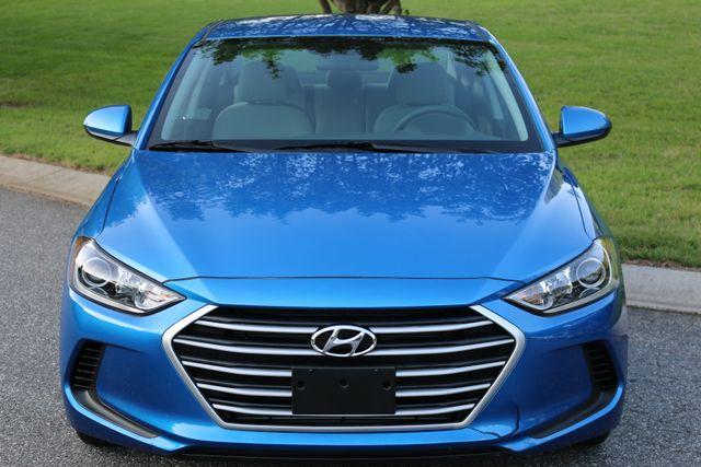 2017 Hyundai Elantra SE Mooresville, North Carolina 60