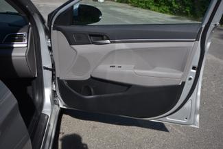 2017 Hyundai Elantra SE Naugatuck, Connecticut 9