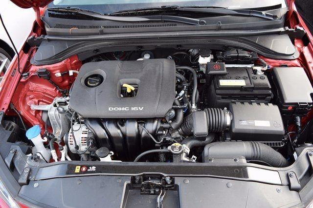 2017 Hyundai Elantra SE Richmond Hill, New York 4