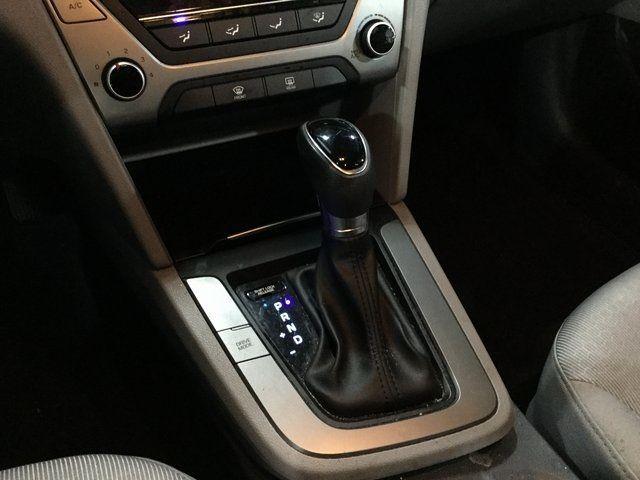 2017 Hyundai Elantra SE Richmond Hill, New York 12