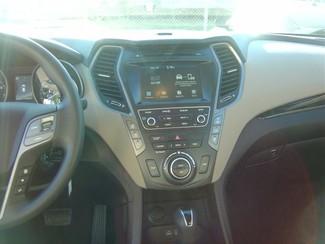 2017 Hyundai Santa Fe SE San Antonio, Texas 8