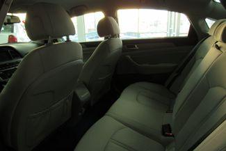 2017 Hyundai Sonata Hybrid W/ BACK UP CAM SE Chicago, Illinois 12