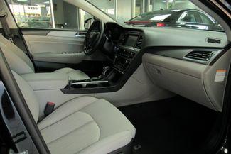 2017 Hyundai Sonata Hybrid W/ BACK UP CAM SE Chicago, Illinois 16