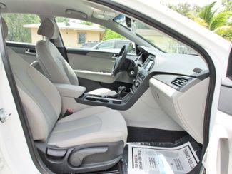 2017 Hyundai Sonata SE Miami, Florida 12