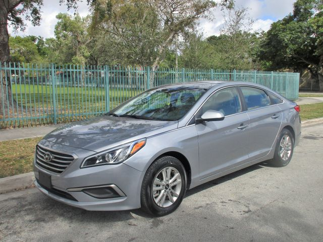 2017 Hyundai Sonata 24L Come and visit us at oceanautosalescom for our expanded inventoryThis o