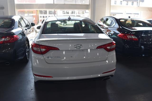2017 Hyundai Sonata 2.4L Richmond Hill, New York 3