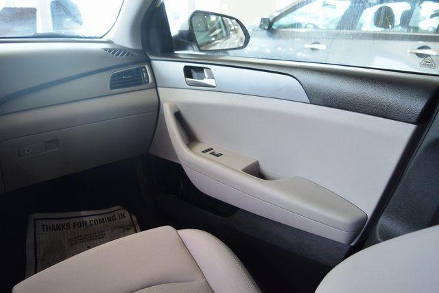 2017 Hyundai Sonata 2.4L Richmond Hill, New York 12