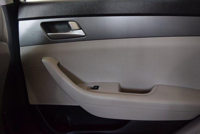 2017 Hyundai Sonata 2.4L Richmond Hill, New York 13
