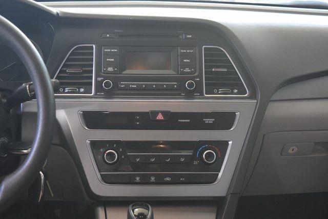 2017 Hyundai Sonata 2.4L Richmond Hill, New York 14