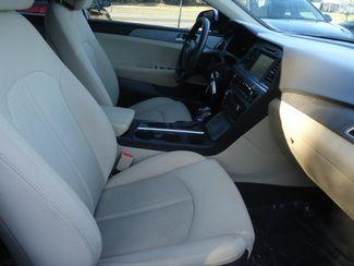 2017 Hyundai Sonata SE. BACK UP CAMERA. ALLOY. SPOILER SEFFNER, Florida 14