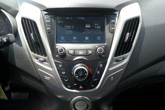 2017 Hyundai Veloster Hialeah, Florida 21