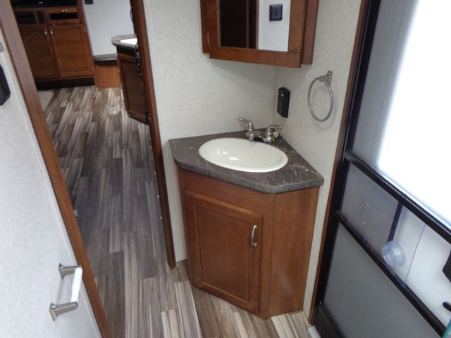 2017 Jayco Jayflight 28BHBE Mandan, North Dakota 18