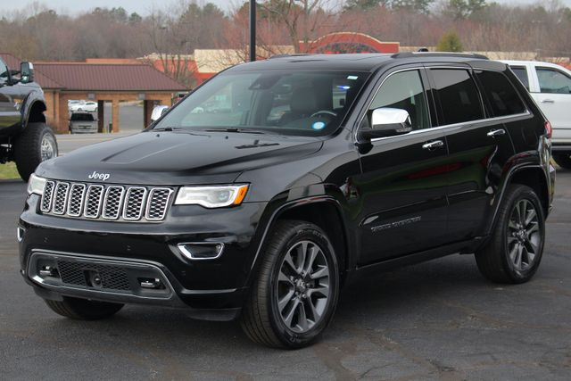 2017 Jeep Grand Cherokee Overland 4WD - JEEP ACTIVE SAFETY GROUP! Mooresville , NC 24