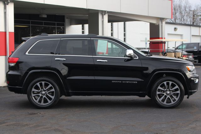 2017 Jeep Grand Cherokee Overland 4WD - JEEP ACTIVE SAFETY GROUP! Mooresville , NC 16