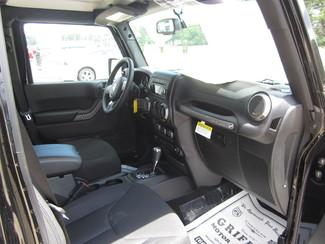 2017 Jeep Wrangler Unlimited Sport Houston, Mississippi 8