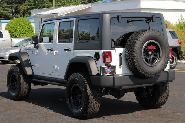 2017 Jeep Wrangler Unlimited Rubicon 4X4 - LIFTED - LOT$ OF EXTRA$! Mooresville , NC 24