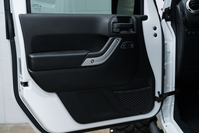 2017 Jeep Wrangler Unlimited Custom Rubicon Orlando, FL 24