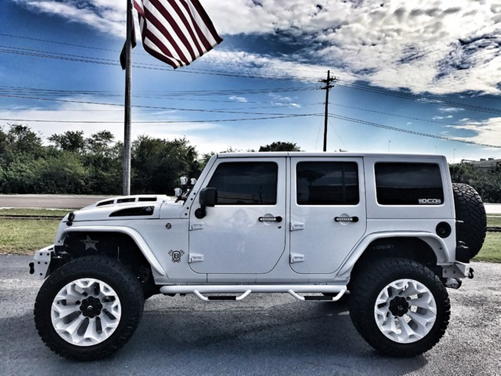 2017 Jeep Wrangler Unlimited WHITE OUT CUSTOM LIFTED ...