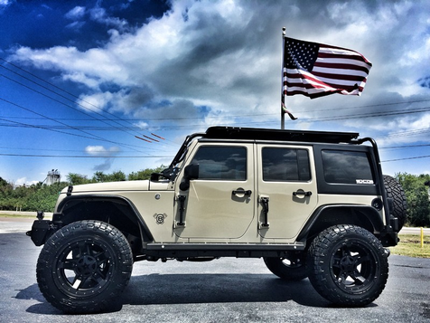 2017 Jeep Wrangler Unlimited GOBI KMS SAFARI RACK LEATHER LIFTED in , Florida