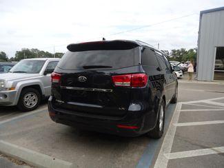 2017 Kia Sedona LX SEFFNER, Florida 10
