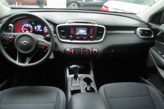 2017 Kia Sorento LX V6 W/ BACK UP CAM Chicago, Illinois 17