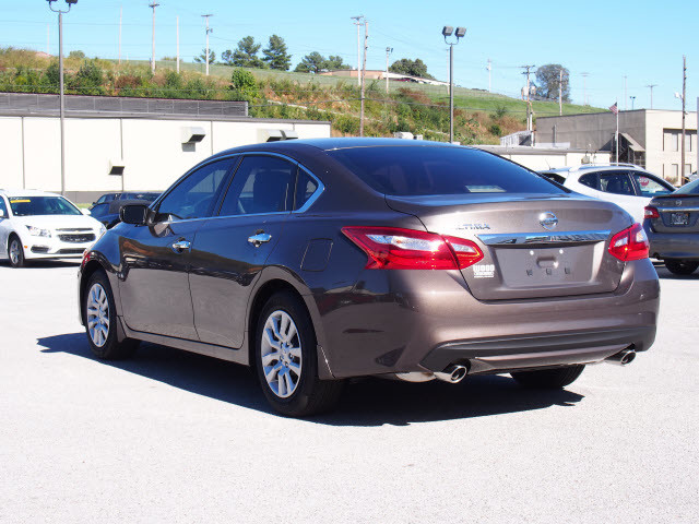 2017 Nissan Altima S Harrison, Arkansas 1