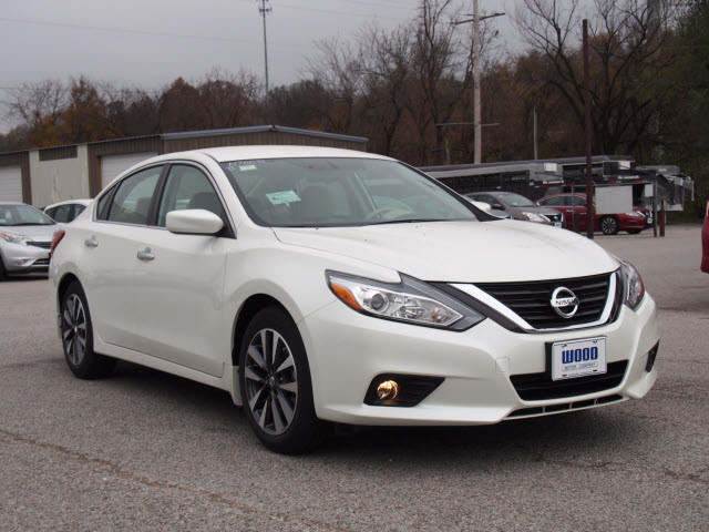 2017 Nissan Altima SV Harrison, Arkansas 3
